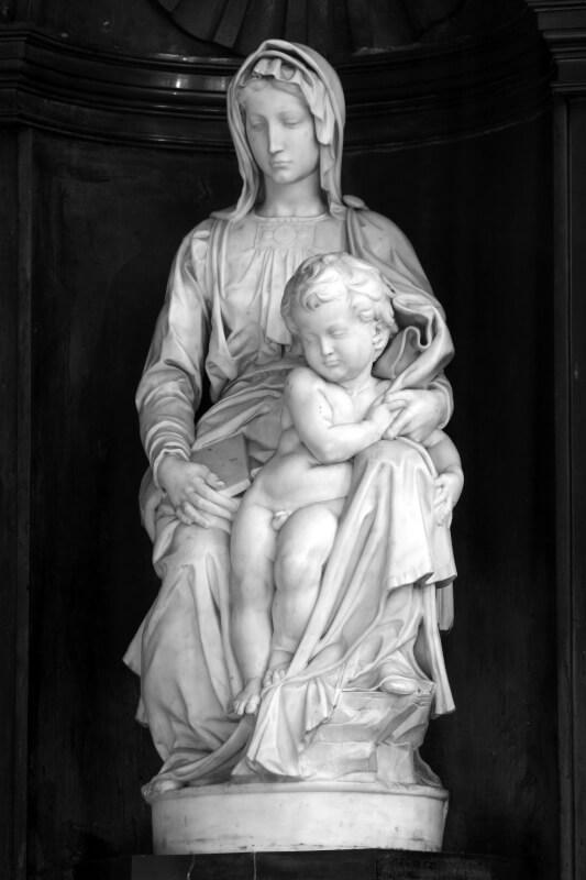 Madre de Dios con un niño Madonna de Brujas Miguel Ángel
